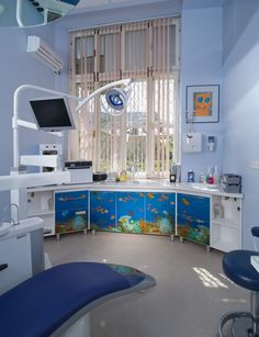 The aquarium theme on the medical furniture façade decorates the interior of the dental office. This theme revealed highly demanded because of the calming effect of the fish. The deep blue color of the background is quieting as well. That is how the façade of the PANMED metal medical furniture looks like. http://panmed.ua/catalog/garnitur-24-akvarium/ #panmed #artfurniture # medicalfurniture #dentaloffice #dental #dentist #medical #medicine