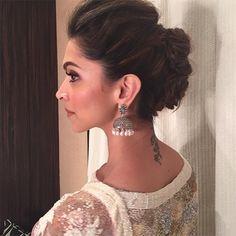 Elegant indian wedding bun hairstyles with flowers – new-self Indian Bridal Hairstyles, Indian Wedding Hairstyles, Easy Hairstyles, Girl Hairstyles, Deepika Hairstyles, Casual Hairstyles, Hairstyles For Lehenga, Hairstyles Videos, Updo Hairstyle