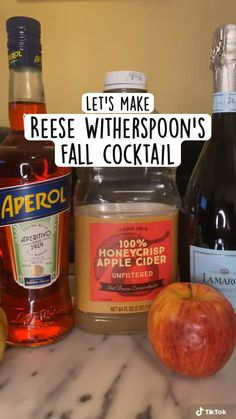 Party Drinks, Fun Drinks, Yummy Drinks, Alcoholic Drinks, Beverages, Cocktail And Mocktail, Fall Cocktails, Cocktail Recipes, Thanksgiving Recipes