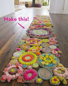Make It: A Stunning DIY Rope Rug! - Make It: A Stunning DIY Rope Rug! You are in the right place about decoration rustic Here we offer - Rope Rug, Arts And Crafts, Diy Crafts, Creative Crafts, Yarn Crafts, Wood Crafts, Rug Making, Weaving, Diy Projects