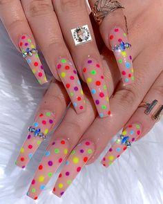Semi-permanent varnish, false nails, patches: which manicure to choose? - My Nails Aycrlic Nails, Neon Nails, Bling Nails, Coffin Nails, Summer Acrylic Nails, Best Acrylic Nails, Acrylic Nail Designs, Nail Swag, Cheap Nail Polish