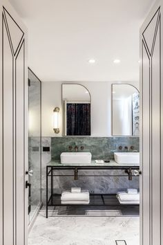 Little Albion Guest House is a boutique hotel on Surrey Hills with interiors that reflect the design aesthetics of Sydney from the and Tadelakt, Terrazzo Flooring, Style Deco, Wet Rooms, Simple Bathroom, Bathroom Art, Bathroom Ideas, Shower Tub, Home Staging