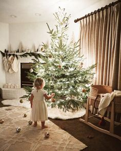 51 Tiny Christmas Trees That Are Easy To Clean-Up - decortip