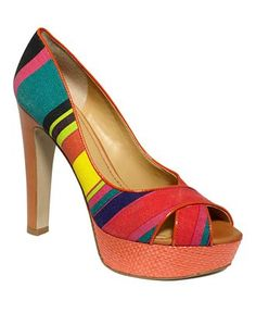 6e95c4a2b4608 I love these shoes! They would go with so many things! White Pumps