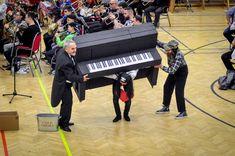 Hrubos Zsolt Pillanatkép a Fergeteges Zenekari Farsangról (Mór) Több kép Zsolttól: www.facebook.com/zsolt.hrubos és www.hrubosfoto.hu Piano, Music Instruments, Facebook, Drinks, Drinking, Beverages, Musical Instruments, Pianos, Drink
