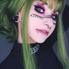 👽🖤 -page created to recommend people 🖤 -main account  Edgy Makeup, Makeup Inspo, Makeup Art, Makeup Inspiration, Makeup Tips, Hair Makeup, Pastel Goth Makeup, Scene Makeup, Anime Makeup