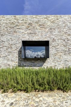 Architecture: Clear Glass Window In The Vr Tapalpa House Elias Rizo Arquitectos Exterior With The Stone Wall, Amazing Contemporary Stone House with Cubic Architecture Brings Old Age Nuance Cubic Architecture, Residential Architecture, Architecture Details, Interior Architecture, Stone Cladding, Property Design, Brick And Stone, Stone Walls, Stone Houses