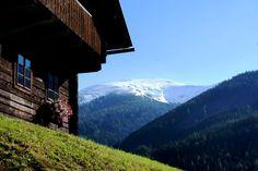 Österreich, Kärnten, Bad Kleinkirchheim, www.kirchleitn.com Mountain Homes, Favorite Holiday, Austria, Dreaming Of You, My House, Travel, Decor, Mountain, Farm Cottage
