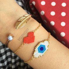 "278 Beğenme, 3 Yorum - Instagram'da By Seda Dikalioğlu (@bysedadesign): ""Kalbi �� güzel olan ... Güzel bakar 💙� ____________________________________________ Bilgi ve…"" Ring Bracelet, Ring Earrings, Beaded Earrings, Bracelets, Loom Beading, Beading Patterns, Brick Stitch, Bead Weaving, Hand Embroidery"