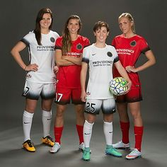 The gals from Portland Thorns on the USWNT! Usa Soccer Team, Us Soccer, Soccer League, Soccer Kits, Team Usa, Soccer Players, Soccer Goals, Football Soccer, Soccer Images