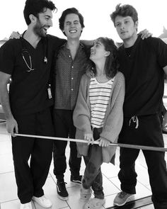 MY DREAM  JANE THE VIRGIN  AND  FIVE FEET APART  AHAHAHAH♥️😭 Cole Sprouse Cody, Dylan Sprouse, Cole Sprouse Aesthetic, Justin Baldoni, Cole Spouse, En Netflix, Riverdale Cole Sprouse, Movies And Tv Shows, Good Movies