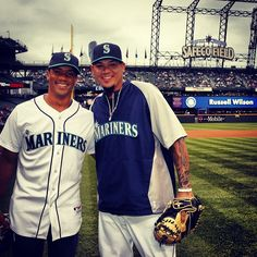 Seattle royalty. #Mariners #Seahawks