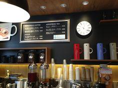 エアプレッソが飲めるカフェ。リンゴンベリージュースかコーヒーがおすすめ。よく朝行ったなあ。オスロコーヒー 五反田駅前店 : 品川区, 東京都