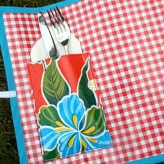 Handmade Gift Ideas: Oil Cloth Placemats -Craftster blog
