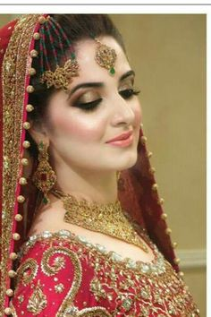 Stunning Wedding Dresses Stylish and Eye-Catching look 2017 Pakistani Bridal Makeup, Indian Bridal Fashion, Pakistani Wedding Dresses, Bridal Lehenga, Wedding Wear, Wedding Bride, Wedding Couples, Mehndi, Pakistan Bride