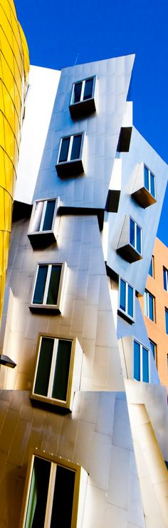 Frank Gehry | Contemporary architecture, best architects, architectural projects. For More News: http://www.bocadolobo.com/en/news-and-events/