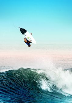 Surfing Community - Surfers and Waves!! John Florence , Photo by Pedro Gomes #john #surfing