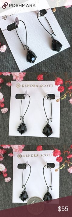 NWT Kendra Scott Carrine Black and Gunmetal A pair of beautiful reflective faceted black stones shine in this simple gunmetal setting! Add to your collection or start a new one! Perfect condition, never worn! Kendra Scott Jewelry Earrings