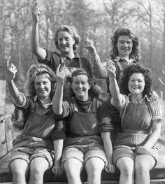 Meet the Lumberjills: Badass Lady Loggers of WWII