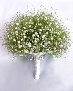 OOO...I never tire of baby's breath!  What a pretty bouquet!