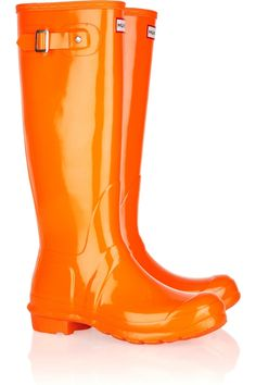 Hello, pretty orange wellies : ) can't wait for rain in these pretty colorful rain boots at ut Orange Clair, Jaune Orange, Orange Yellow, Orange Shades, Orange Twist, Burnt Orange, Blue, Orange Boots, Shoes