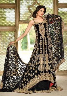 If this only had sleeves, Latest And Stylish Wedding Dresses 2016 Pakistani - Fashion& Health Asian Wedding Dress, Pakistani Wedding Dresses, Pakistani Bridal, Pakistani Outfits, Indian Dresses, Indian Outfits, Indian Attire, Latest Bridal Dresses, Bridal Outfits
