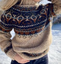 Icelandic Sweaters, Cozy Sweaters, Knitting Designs, Knitting Patterns, Creative Knitting, Knit Art, Quirky Fashion, Fair Isle Knitting, Mode Style