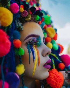 Artist Rachel Sigmon designs works of wearable art. Specializing in headdress design, she creates elaborate fantasy costumes. Red Lip Makeup, Crazy Makeup, Makeup Art, High Fashion Makeup, Fantasy Costumes, Fairy Costumes, Festival Makeup, Fantasy Makeup, Fantasy Hair