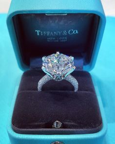 Solitaire Engagement Ring Definition other Jewellery Maker Ivy House per Solitaire Engagement Rings Jcpenney most Solitaire Cushion Cut Engagement Rings No Halo my Rose Gold Solitaire Engagement Rings Canada Tiffany Wedding Rings, Big Wedding Rings, Diamond Wedding Rings, Wedding Jewelry, Tiffany Diamond Rings, Gold Wedding, Solitaire Diamond, Bridal Rings, Trendy Wedding