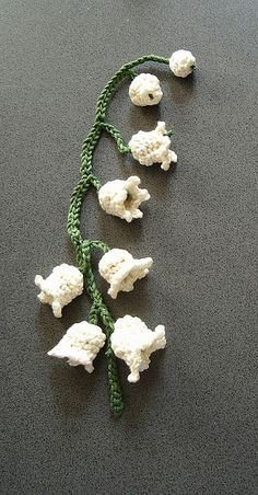 "crochet lily of the valley from book ""Hookorama"". I have to do this for Mom!"