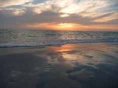 zset yourself free.Book a Island vacation now  #BradentonBeach #Florida #VacationFlorida #AnnaMariaIsland #http://beachrentals.mobi/