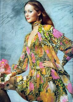 James Galanos P/E Photo Gianni Penati. 1969 Fashion, 60s And 70s Fashion, London Fashion, Teen Fashion, Fashion Beauty, Vintage Fashion, Fashion Images, Fashion Photo, 1960s Dresses