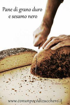 Pane di grano duro e sesamo nero by conunpocodizucchero, via Flickr