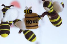 Baby Mobile  Needle Felted   Bees Baby Mobile от WooolyWool