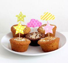 12 décorations pour gâteaux et cupcakes, thème nuage et étoile, coloris rose, jaune et vert : Autres papeterie par latelierdesconfettis