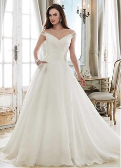 2a81ac6a31 [173.50] Fashionable Tulle & Organza V-neck Neckline A-line Wedding Dress  With Beadings. Organza Menyasszonyi ...