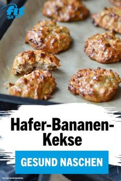 Oat and banana biscuit recipe - FIT FOR FUN- Hafer-Bananen-Kekse Rezept – FIT FOR FUN Christmas time is biscuit time. Healthy Nutrition, Healthy Snacks, Baby Food Recipes, Baking Recipes, Food Baby, Banana Baby Food, Biscuits, Oatmeal Recipes, Evening Meals