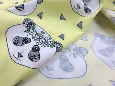 T2298 Trikå Flower Panda gul