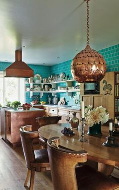 Get the look: Ben Pentreath's ultimate English interior Designer Lulu Lytle's kitchen features in English Houses Copper Kitchen Accents, Rose Gold Kitchen, Copper Kitchen Decor, Turquoise Kitchen, Copper Decor, Kitchen Lighting, Kitchen White, Bright Kitchen Colors, Colorful Kitchen Decor