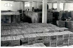 """Almacén de cajas. / Detail of the """"work area."""""""