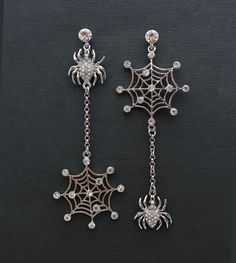 Crystal Spider Earrings. Halloween Wedding Jewelry Unique Bridal Earrings Bridesmaid Accessory Chandelier Silver Crystal Spider Jewelry Gothic Earrings, Goth Jewelry, Jewelery, Jewelry Accessories, Jewelry Design, Unique Jewelry, Cameo Jewelry, Bridesmaid Earrings, Bridal Earrings