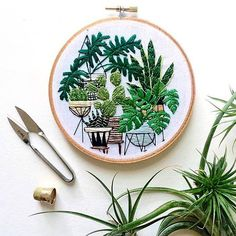 Ok, as if I wasn't already obsessed enough with textiles and plants, @sarahkbenning has just gone and blown my mind. In love with her crazy cool creative stitching.