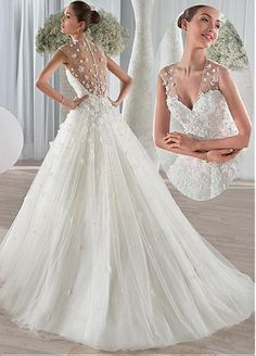 Gorgeous Tulle V-neck Neckline A-line Wedding Dresses with 3D Flowers