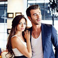 Çilek Kokusu ose stina e luleshtrydheve film eshte edhe ku super Turkish Men, Turkish Beauty, Turkish Actors, Pakistani Dramas, Best Series, Couple Posing, Celebs, Celebrities, Hopeless Romantic