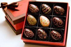 chocolat eggs art