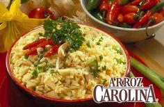 """Cena ligero con nuestro arroz integral en una """"Ensalada Asiática de Pollo con Salsa Picante de Maní""""."""