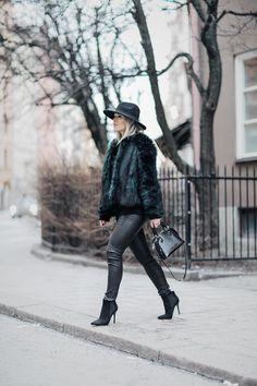 coat / H&M  knit / Zaful  pants / Topshop  hat / Miss Selfridge bag / Louis Vuitton shoes / Tata Italia | Linda Juhola
