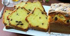 Bizcocho de yogur de limón con lágrimas de chocolate | Cocina Flan, Plum Cake, Cake Bars, Churros, Dessert Recipes, Desserts, Banana Bread, Bakery, Cheesecake