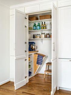 Kitchen Pantry Design, Kitchen Organization Pantry, Kitchen Pantry Cabinets, Kitchen Storage, Storage Spaces, Pantry Ideas, Organized Kitchen, Kitchen Reno, Pantry Room