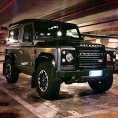 Land Rover Defender 90 Td4 customized BESPOKE premium.